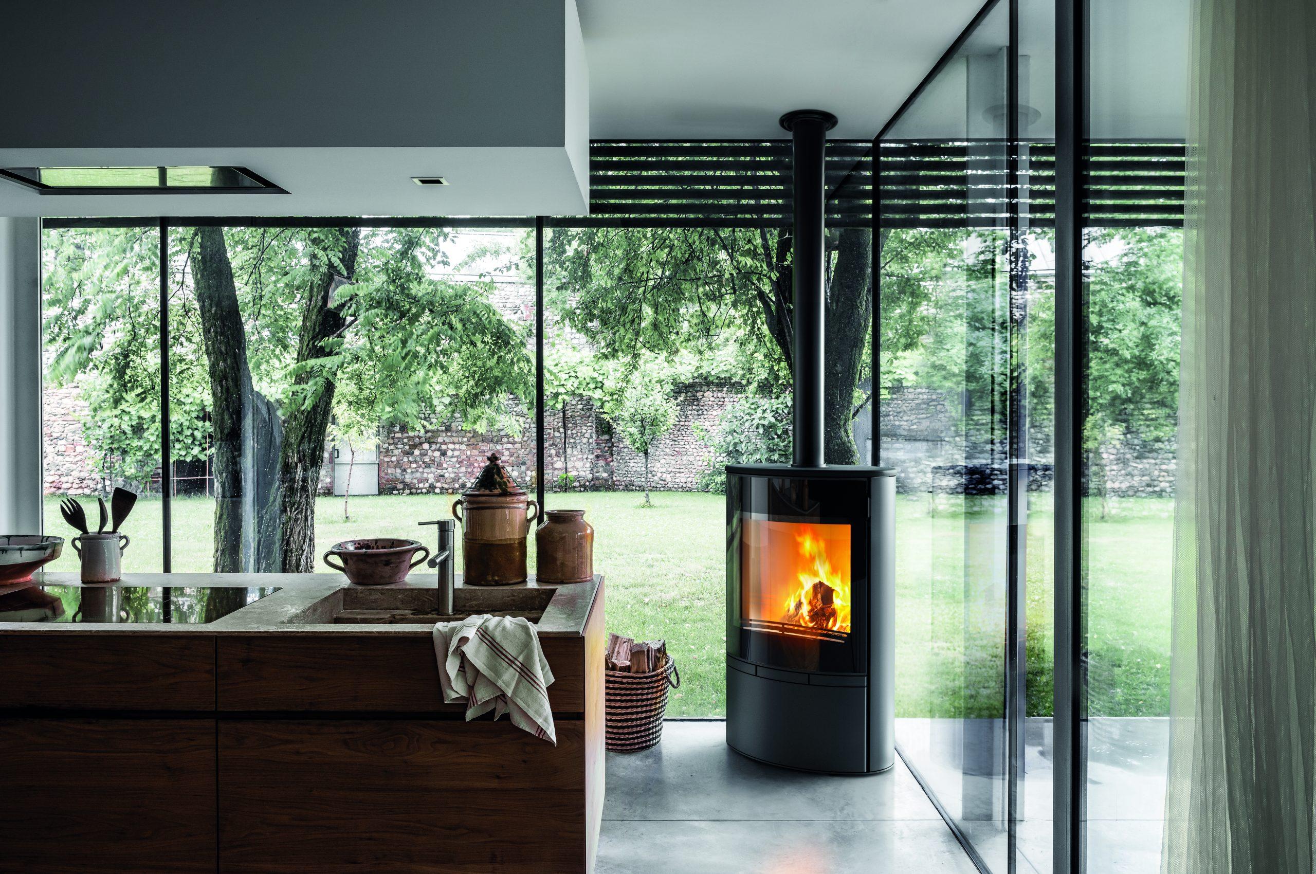 BRISACH : De la cheminée sur mesure aux poêles contemporains très haute technologie